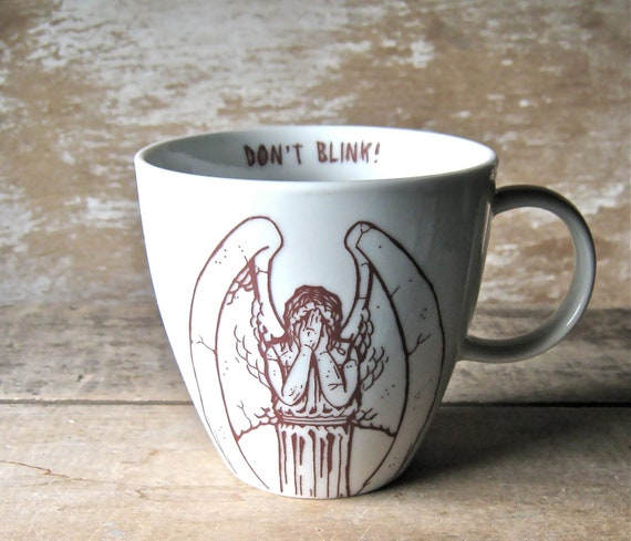 Mug Weeping Angel Don't Blink 16 oz