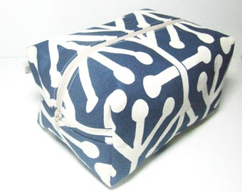 Make up Bag  - Cosmetic Pouch -  Lunch Bag - Wet Bag -Waterproof Bag