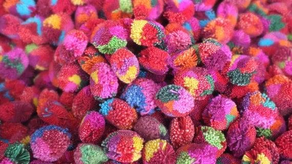 500 Handmade pom poms Yarn PomPoms - Multi colored PomPoms,lisu pompom