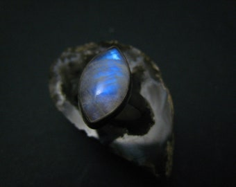 natural moonstone fine silver ring