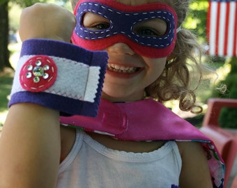 Girl Superhero Mask and Cuffs