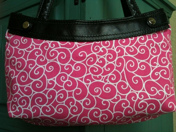 Nordic Holiday Swirly Gig Pink Michael Miller Thirty One purse cover