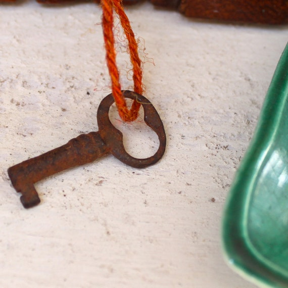 Vintage antique small skeleton key, 100 years old, rusted, No. 1