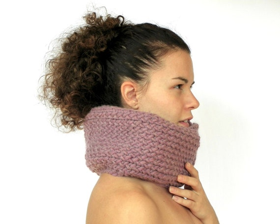 Lavender Chunky Cowl, Hand Knit Cowl, Womens Winter Fashion, Purple Neck Warmer, Womens Neck Wrap