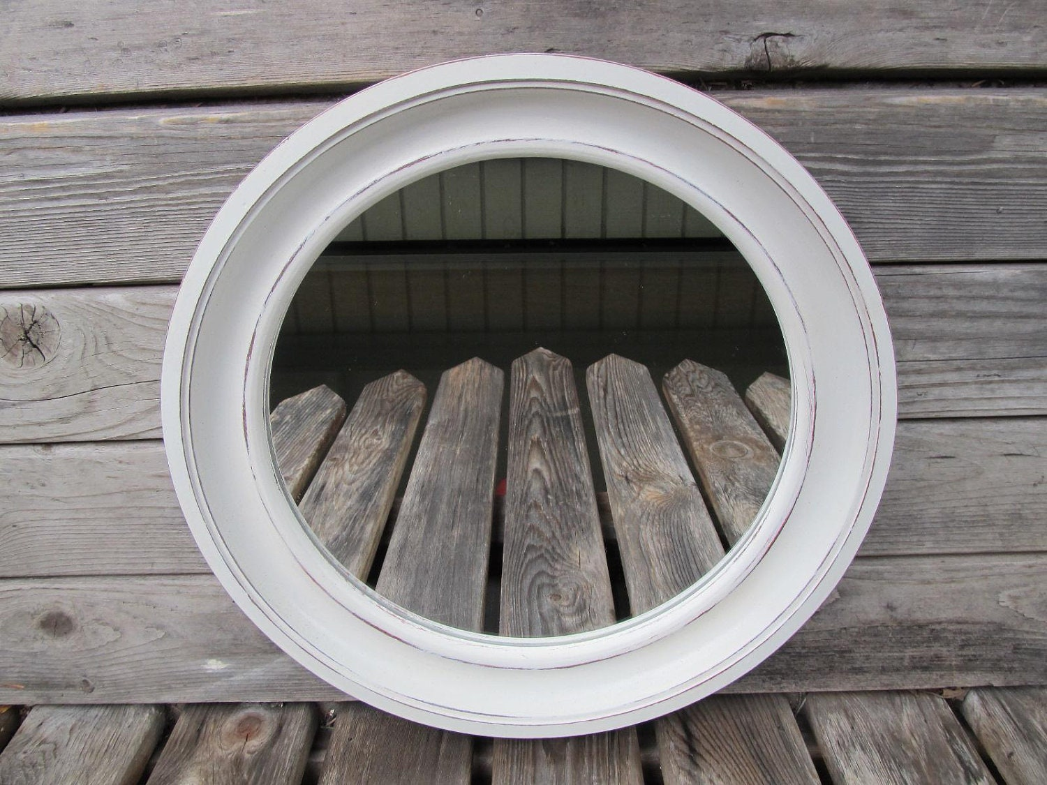 Round shabby chic antique white wall mirror for White round wall mirror