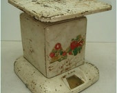 1930's 24lb Sears Maid of Honor Kitchen Scale With Flowers & Vegetables On Front