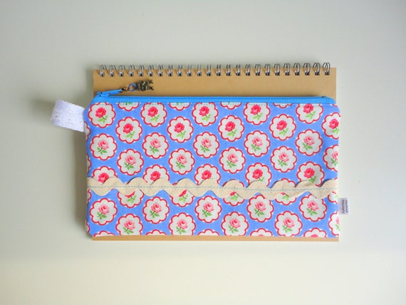 Roses Pencil Case with Robot Zipper Pull