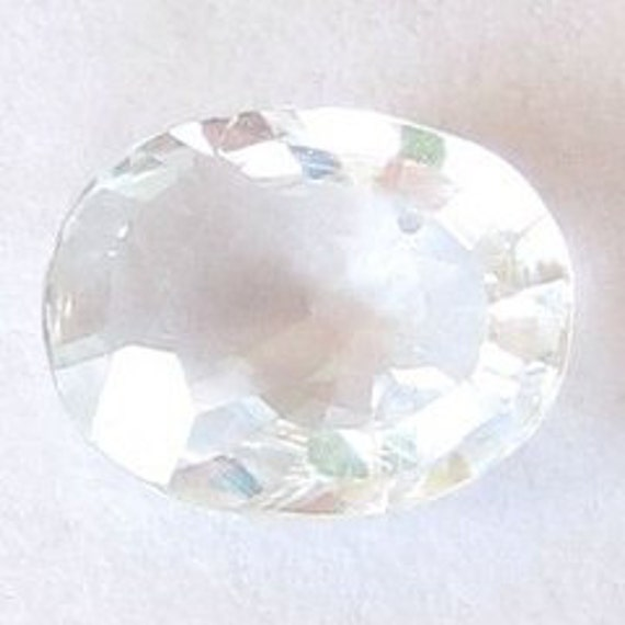 Natural White Sapphire, Africa, Oval 7.8x6x2.9 mm, 1.29 carat