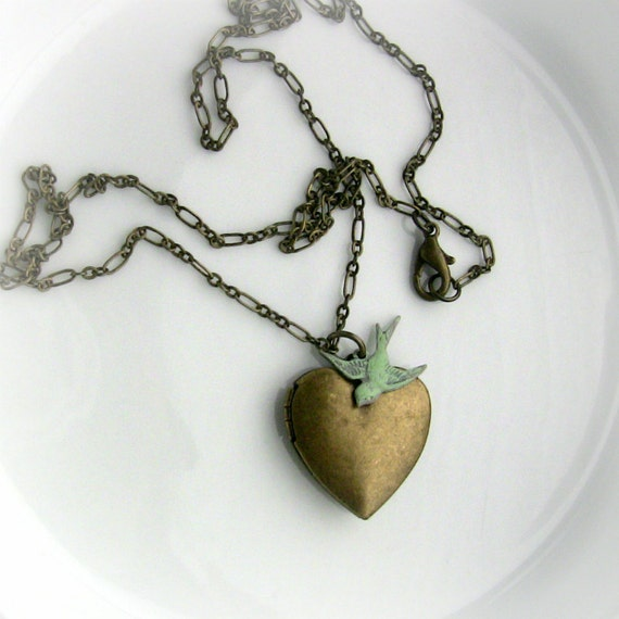 Heart Locket Necklace - Green Bird Sparrow  - Sister - Daughter - Mom Gift - Jewelry