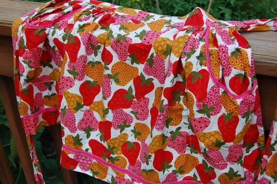 Vintage Kitchen Half Apron - lovely strawberries