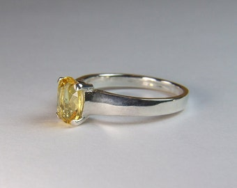 Yellow Sapphire, 7.5mm x 6mm x 1.46 Carat, Oval Cut, Sterling Silver Ring