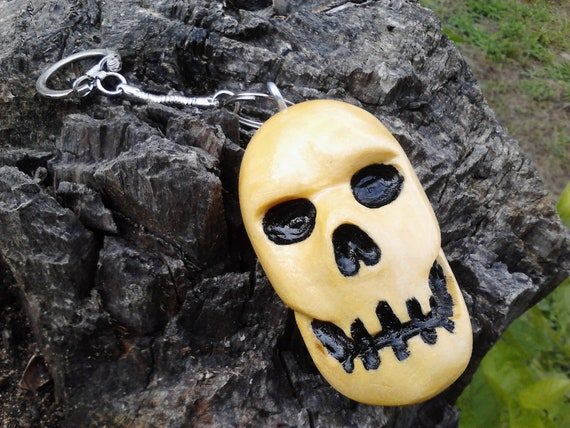 Large Handcarved Poplar Wood Skull Keychain