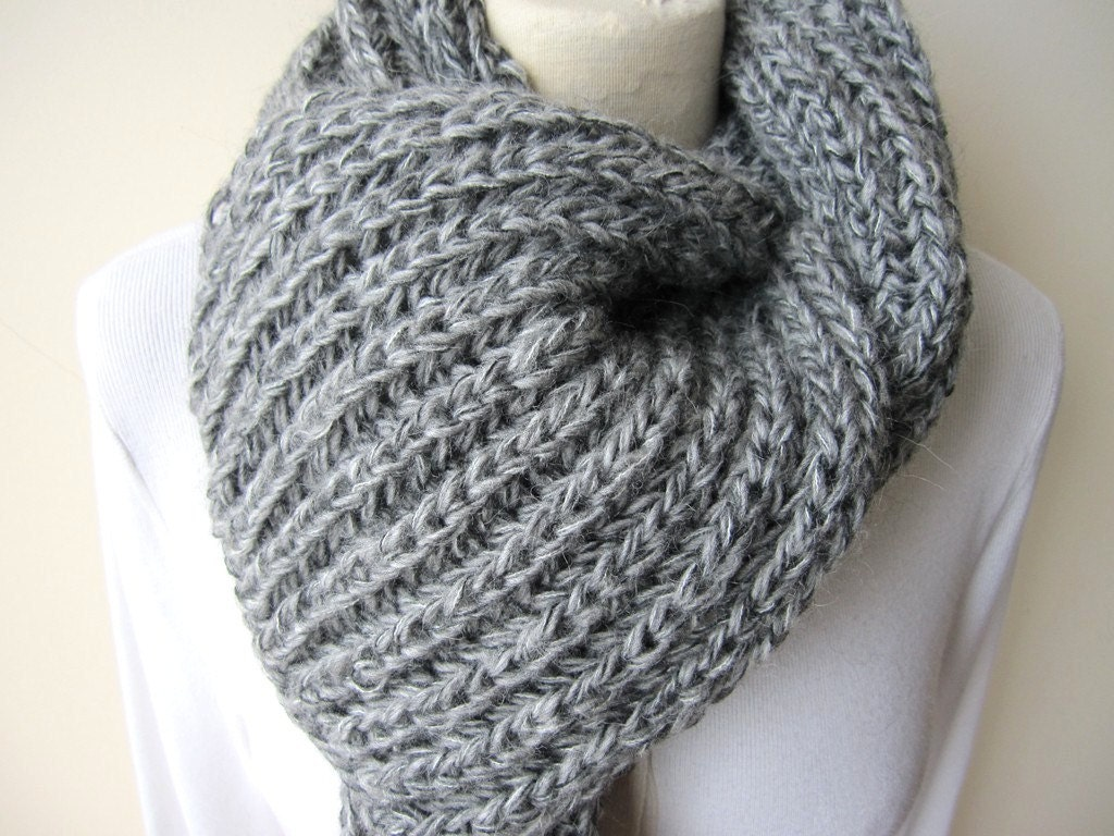 Knitting Stitches For Men s Scarves : Grey knit scarf Man fashion gray knitted scarves Turkey knit