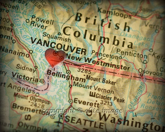 8x10 MAP of VANCOUVER Canada with a Heart Shape with a Grunge Vintage Border - 8x10 Photograph