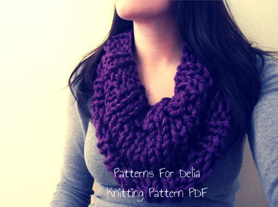 Easy Knitting Patterns Scarf Beginners : Reversible Infinity Cowl KNITTING PATTERN easy beginner