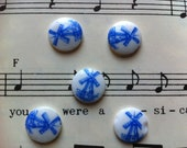 Vintage White and Blue Glass Cabochon with Dutch Windmill Motif 10mm (APS221)