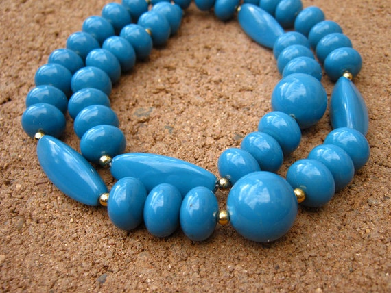 Blue beaded necklace, teal blue vintage Lucite necklace, 80s