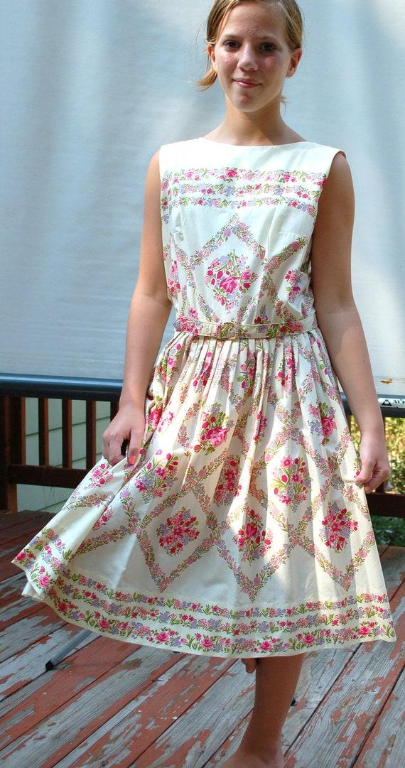 Vintage Retro Dress 40s 50s Cotton Floral Sundress Full Skirt High Neck Sleeveless Belted Waist  Size 10