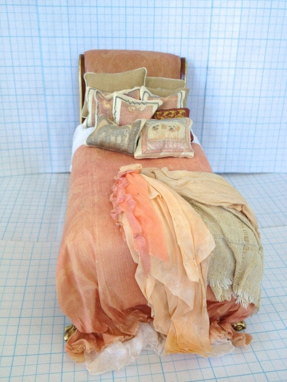 Bed Bespaq Dressed in Shades of Peach - by Pat Tyler Miniatures