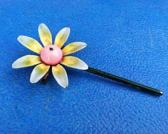 vintage retro daisy brooch pin