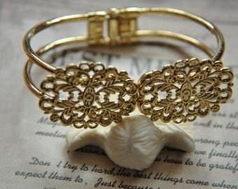 2 pcs raw Brass  plating  gold    flower Filigree bracelet   pendant finding