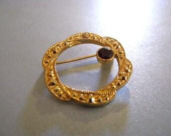 Vintage Circle Brooch - Goldtone Brooch - Ruby Stone