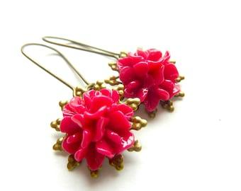 Flower earrings deep red hot pink resin vintage earrings