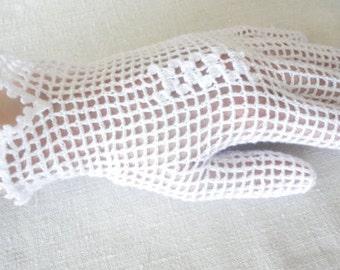 Crochet white gloves handmade gloves, crochet accessory, teen girl women accessory