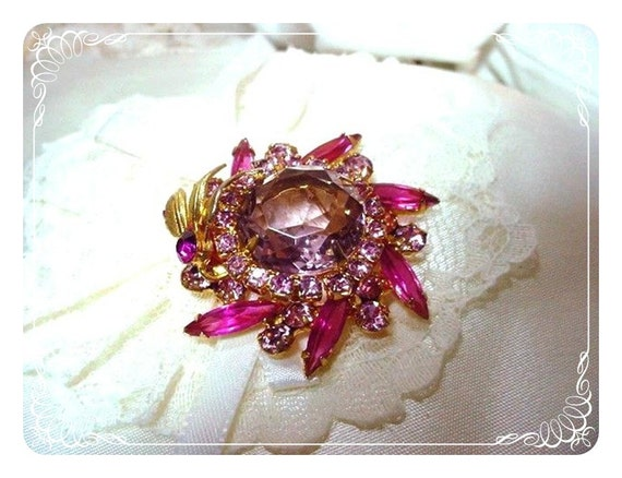 Delightful Pink  Lavender Brooch D and E  Juliana 256a-051011035