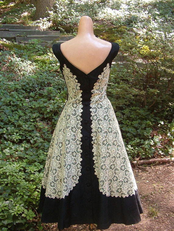 1950 Taffeta and Lace Apron Back Party Dress Black and White Dance Dress Designer Cocktail Frock Small