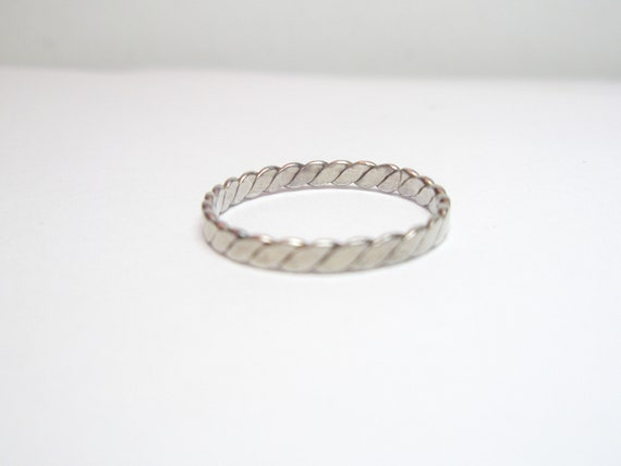 Vintage   Ring  -    925 Sterling Silver Free Shipping  Worldwide