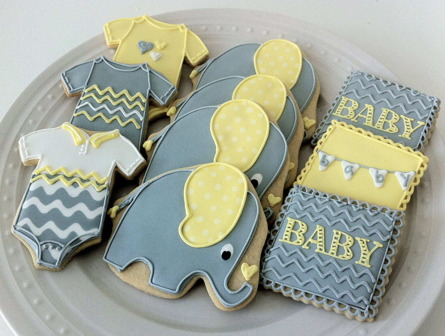 Items similar to Decorated Elephant Themed Baby Shower ...