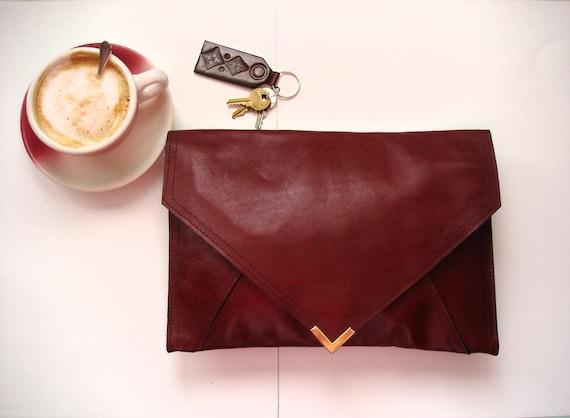 Vintage Leather Envelope Clutch-Vino Tinto-Geometric-Simplistic