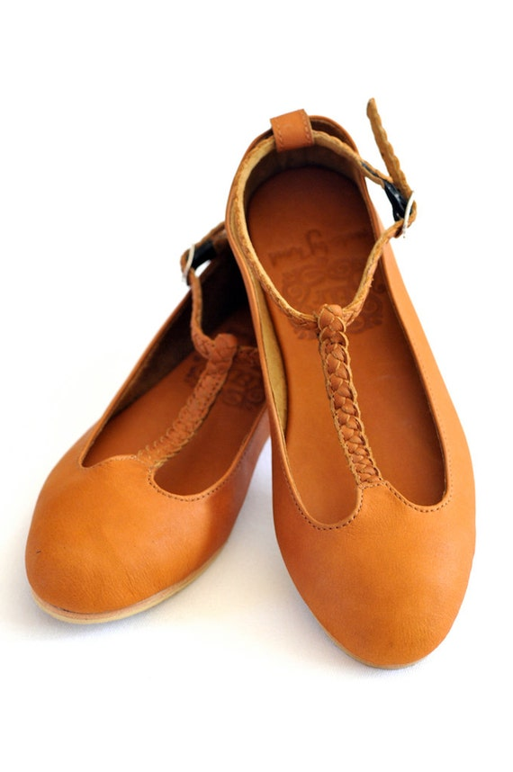 Free shipping BOTH ways on womens leather flat sandals, from our vast selection of styles. Fast delivery, and 24/7/ real-person service with a smile. Click or call