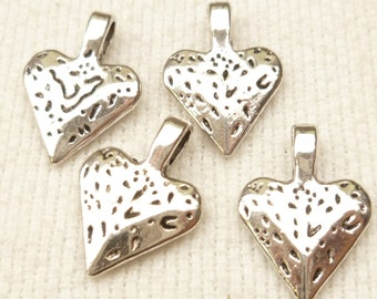 3D Hammered Rustic Look Heart Charm Pendant (4) - S33