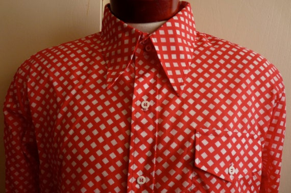 vintage 60's/70's Mod/Pop Art red/white diagonal gingham pattern big collar long sleeve nylon shirt /pockets SKYR, Scandia Trading Co.