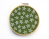 White Blossoms Hoop Art - 5 Inch Modern Wall Art - White Flowers - Green Fabric - Hand Embroidered Contemporary Stitched Wall Decoration
