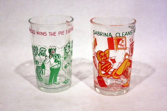 COLLECTIBLE ARCHIE GLASSES - Vintage jelly jar / juice glass cross promo, comic / cartoon (1973)