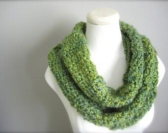 Crochet Green, Spring Green, Light Green, Yellow Green, Infinity Scarf, Women's Scarf, Men's Scarf, Unisex Scarf