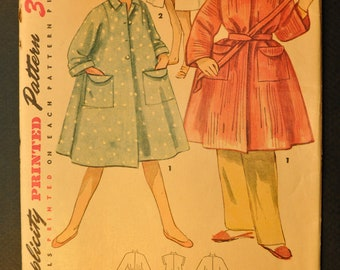 Girls' Duster or Robe in Two Lengths Size 8 Uncut Vintage 1950s Sewing Pattern -Simplicity 4504