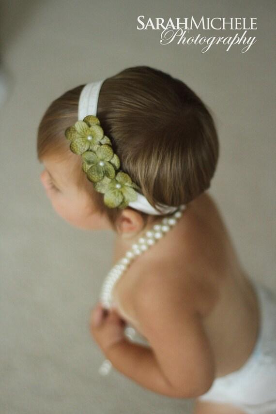 Baby girls green headband.. Green headband.. Girls headband
