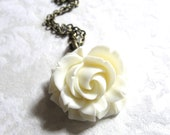 Vintage Inspired Shabby Chic Ivory Large Detailed Rose Cabochon Antique Bronze Chain Necklace (d)