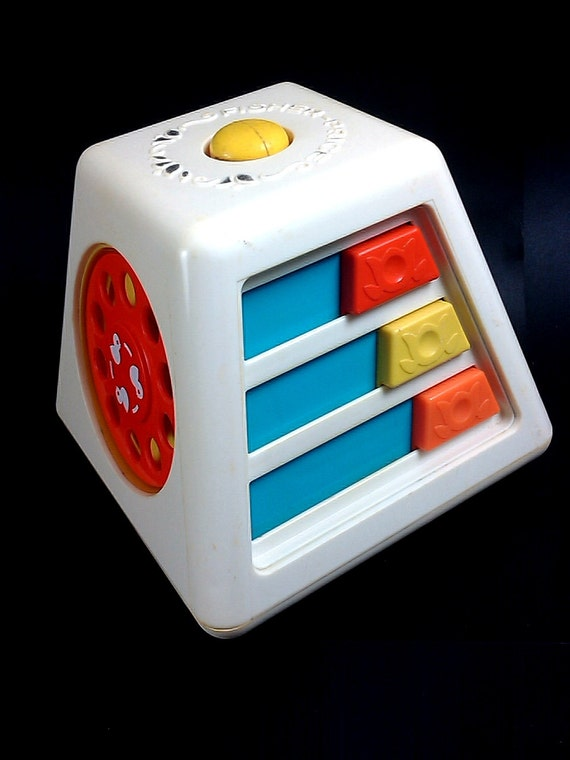 Turn and Learn - Vintage 1970s Fisher Price Activity Centre