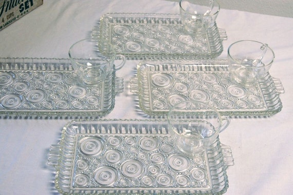Vintage Anchor Hocking Arlington Clear Class Luncheon Plates - Serva Snack Snacking Plates & Cups, Colonial Ladies - SET of FOUR
