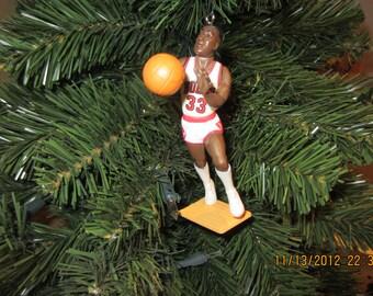 Scottie Pippen  or Dennis Rodman or Toni Kukoc or John Paxson, Horace Grant  Luc Longley Chicago Bulls basketball christmas sports ornament