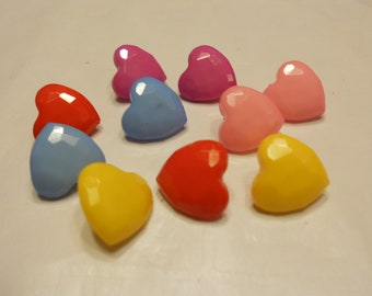 10 piece acrylic heart buttons, 14 mm (8)