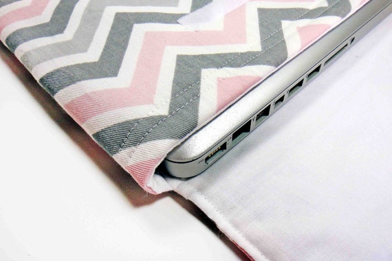 13 inch Modern Gray and Pink Chevron Print Laptop Top Sleeve