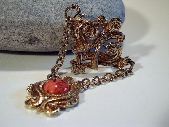 Vintage Victorian Style Brooch
