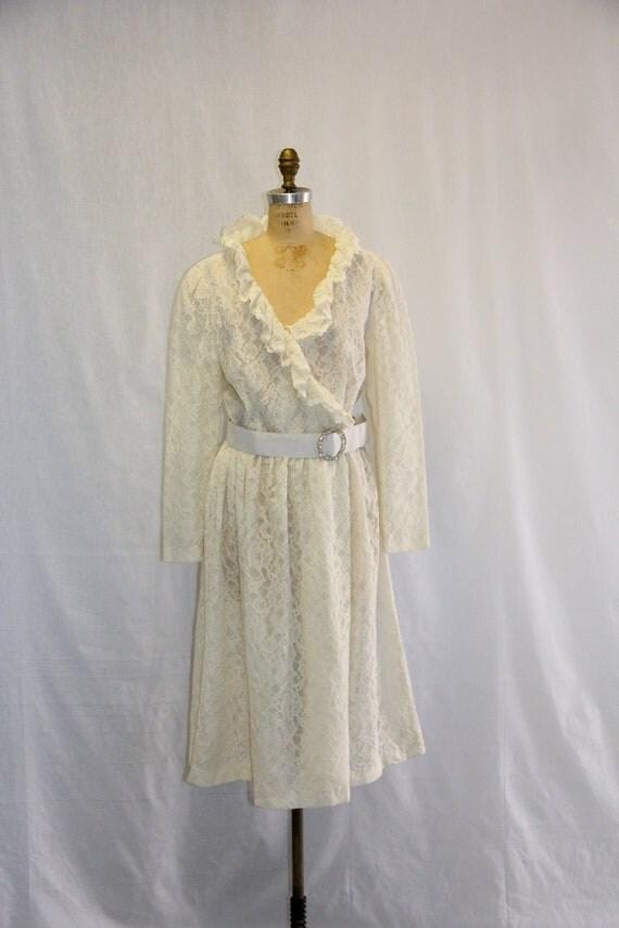 XL Wedding Vintage Dress - Lace Wedding Ruffled Collar
