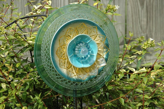 Garden Flower Plate Upcycled Yard Art
